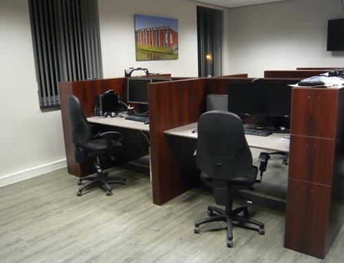 Complete bureau's te Houten